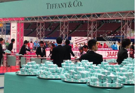 名古屋ウィメンズマラソン完走者に贈られるティファニーのペンダント